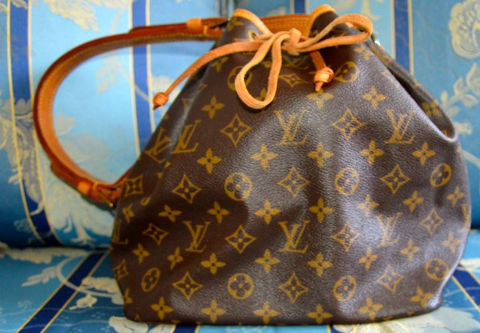 Louis Vuitton – shoulder/bucket style bag – Petit Noè