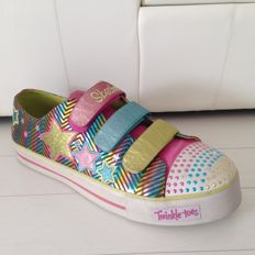 Store advertisement - the store display - 68 cm - Twinkle Toes Skechers shoes XXL