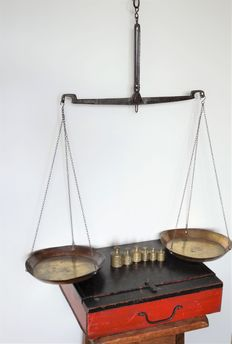Iron scale with copper weights - Netherlands - 19th century