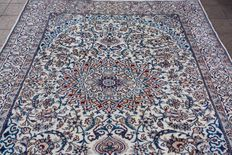 Beautiful Original Persian Iran Nain handknotted 200x300 cm with certificate