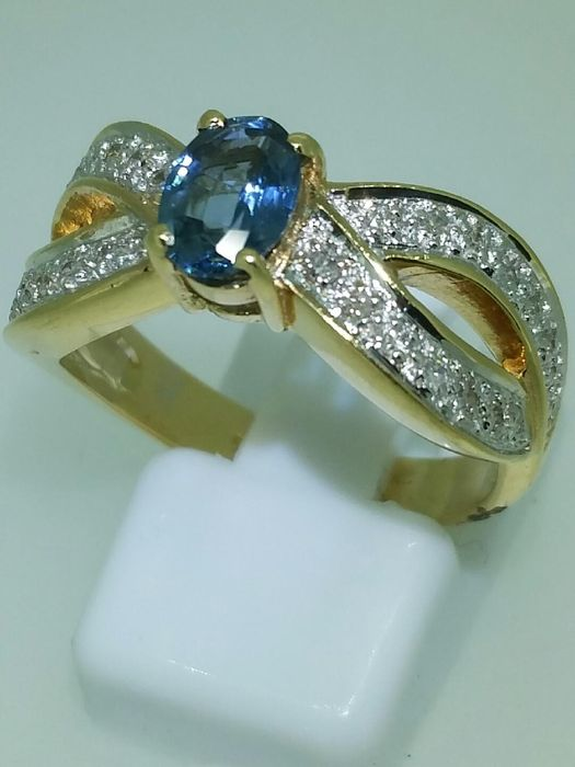 ring with sapphire, diamonds and 18 kt yellow gold - size 58