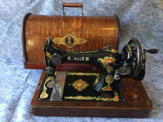 Great antique Singer 128K sewing machine, 1913