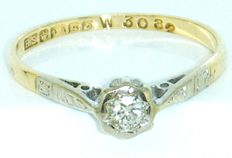 18 K Yellow Gold Vintage diamond solitaire ring, with 1 Very Clean Diamond brilliant cut 0.35ct VS1H