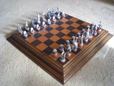 Iconic ''Movie-Monsters'' Pewter chess set