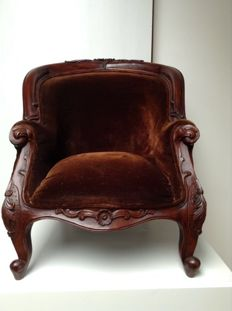 A Louis XV style carved mahogany bergère - children's chair - France - circa 1895