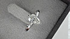 0.91 ct pear diamond solitaire ring 14 kt gold