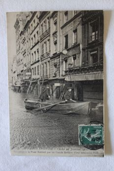 Lot of 145 old French postcards of Paris from the beginning of the last century