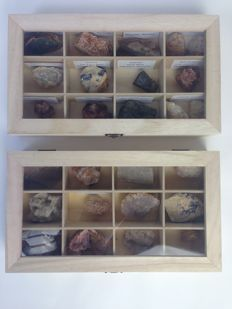 Mineral collection in 2 display cases - 1.5kg (26)