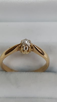 Yellow, 14 kt gold ring set with a diamond, handmade, no reserve price!