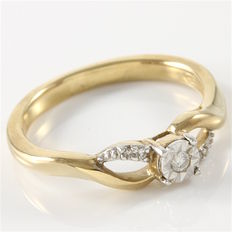 Yellow Gold Engagement Ring Set With Diamonds