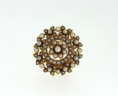 Antique 18K Gold Floral Brooch / Pendant With Natural Seed Pearls (2.09 CT Total ), 1910