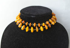 No reserve! Art Deco, Baltic amber necklace, in butterscotch colour.