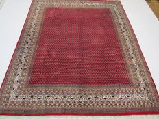 Wonderfully beautiful Persian carpet Indo/Saroghmir 300 x 250 cm, top quality, end of the 20th century. Excellent condition