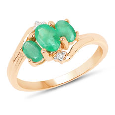 Gold ring with emerald and diamonds, emeralds of 1.19 ct, diamonds 0.04 ct