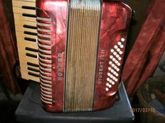 HOHNER STUDENT IVM accordion - pre 1960