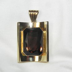 Unique pendant with a large smoky quartz, 585 gold