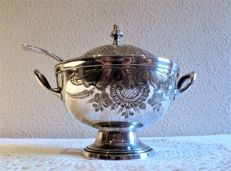 Tureen with ladle made of nickel silver