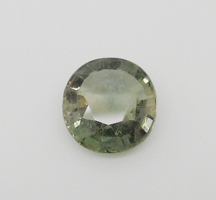 Green Sapphire - 4.42 ct - NO RESERVE PRICE