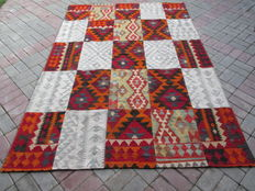 3153 # HIGH QUALITY HAND WOVEN PATCH WORK WOOL KILIM RUG 170 x 252 CM