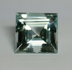 Aquamarine - blau - 29,47 ct