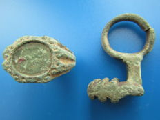 Roman bronze ring with remainders of gold - ring key ring - 30x20mm - 35 mm (2)