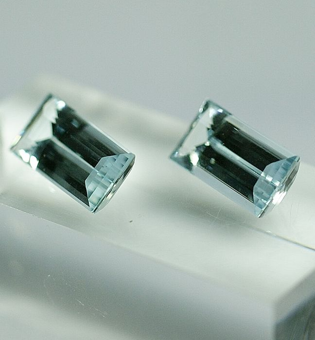 Aquamarines (pair) - total 9.01 ct