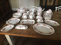 Royal Albert - tableware set Romance
