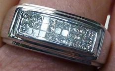 14 kt white gold men's ring with 0.66 ct princess cut diamonds G/H - size 21