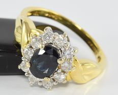 1.15 ct sapphire and 0.46 ct diamond ring in 18 kt gold * no reserve *