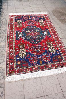 Fantastic  & Original Persian Iran Kaukaz handknotted 133x213cm with certificate of authenticity