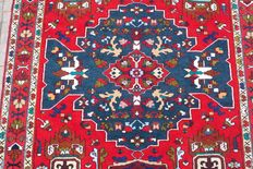 Beautiful &Original Persian Iran Kaukaz handknotted 133x213cm around 1980
