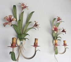 Pair of floral wall sconces in good working order