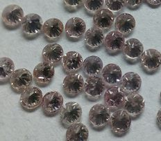 Lot of 93 light pink brilliant cut diamonds totalling 1 ct