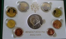 Vatican – 2010 Proof divisional series (includes silver medal).