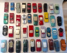 Various - Scale 1/43 - Lot with 51 American models from the 50/60s: Buick, Lincoln, Cadillac, Nash Rambler, Pontiac, Studebaker and others