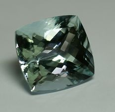 Aquamarine, greenish-blue, 30,53ct