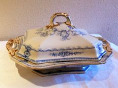 Antique English tureen for vegetables with the British Royal coat of arms