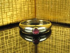 Alter Gold 8K Solitär  Ring mit Rubin 0,13Ct