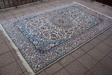 Beautiful & Original Persian Iran Nain handknotted 200x300 cm with certificate