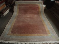 NEPAL beautiful carpet 300 x 200 cm