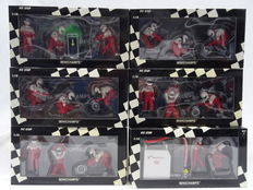 Minichamps - Schaal 1/18 - Pitcrew setje Panasonic Toyota Racing 2002