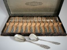 Gero Georg Nilsson - 12 silver plated cake forks + sugar scoop and jam spoon model 635 in pouch