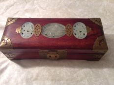 Wooden jewelry box with hardstone inclusions - China - second half of 20th century