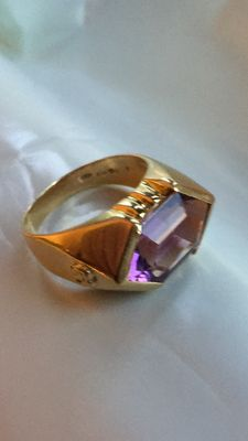 18 kt yellow gold ring with amethyst – Internal size: 20