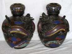 Pair of bronze vases with champlevé – Japan – Circa 1900 (Meiji era)