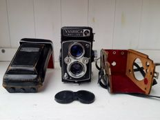 Stunning Yashica Mat-124 TLR Camera from 1968