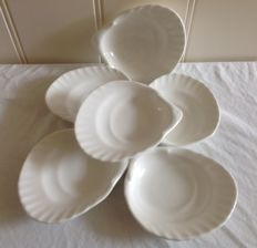 6 Wedgwood scallop shaped Dishes