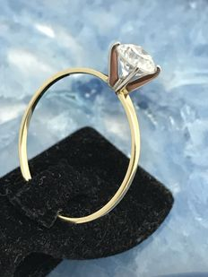 Gold ring with zirconia, 14 kt