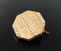 19th century Napoleon III period broach in 18kt rose gold adorned with petite semi-pearls - no reserve