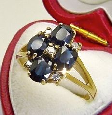 Vintage gold ring set with 1.4ct of midnight blue Ceylon Sapphires & Diamonds***NO RESERVE***